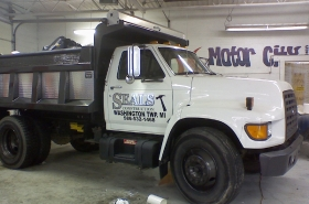 vehicale graphics seals construction2